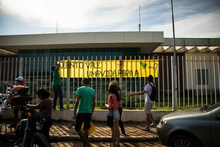 A gigante Vale contra o professor no Pará