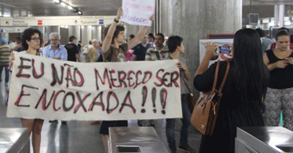 Suspeito de filmar partes íntimas de mulher em ônibus é detido pela Guarda Municipal, em Belém