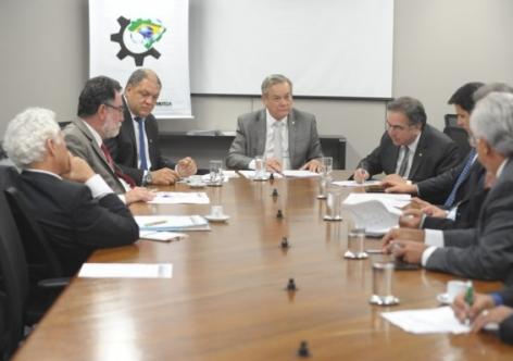 Frente Parlamentar lutará contra privatizações de Temer
