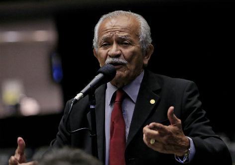 Chico Lopes repudia quebra de estabilidade dos servidores públicos