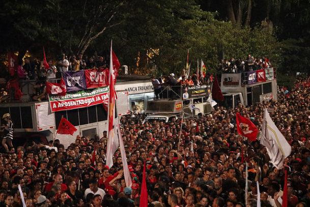 Centrais sindicais e movimentos convocam greve geral em todo o país em 5 de dezembro