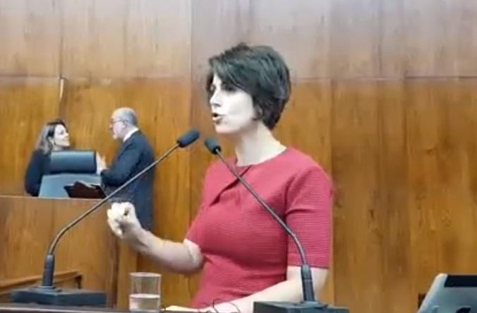 Manuela condena atentado: fascismo quer matar quem pensa diferente