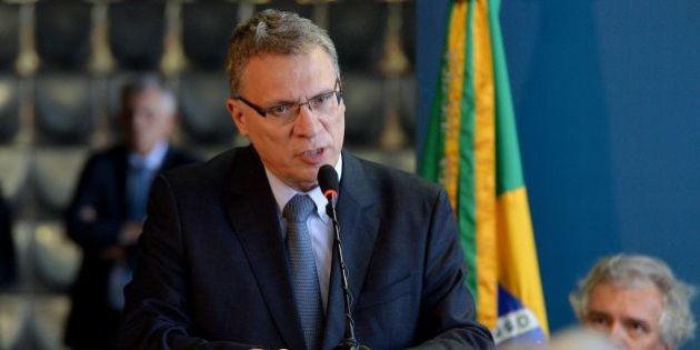 Adiamento no STF reforça interesse político na prisão de Lula, afirma ex-ministro