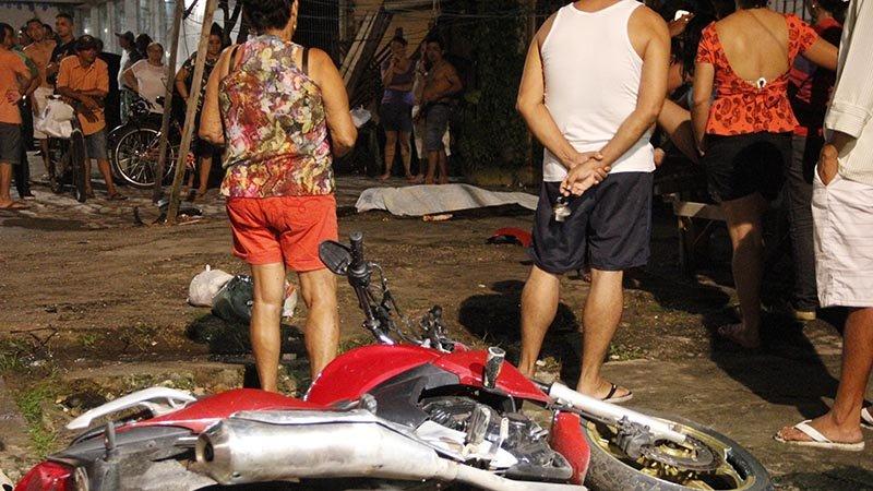 Homem morto a tiros por dois em moto no bairro da Pedreira