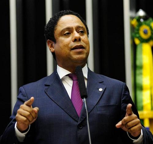 Orlando: População brasileira não se sente representada pelo Congresso