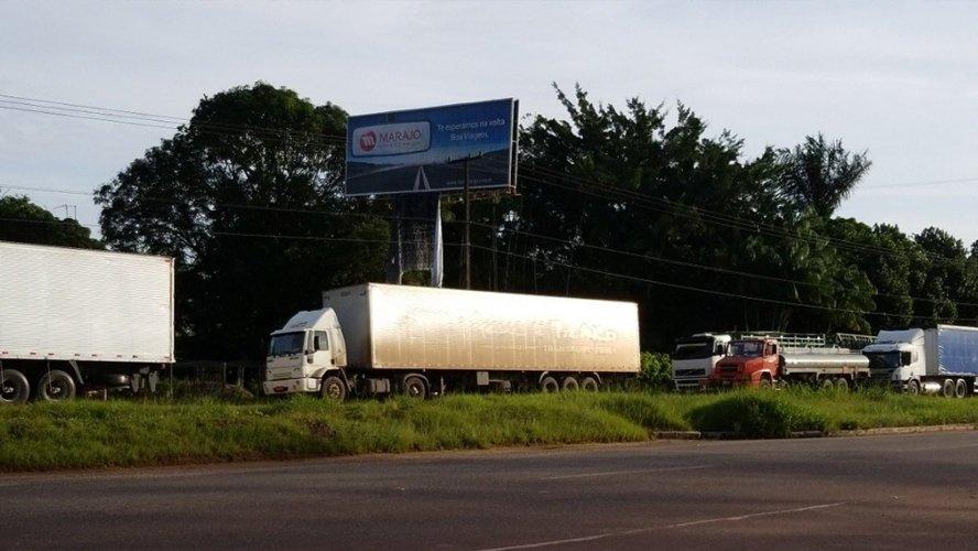 Bloqueio de caminhoneiros na BR-316 causa quase 10km de congestionamento