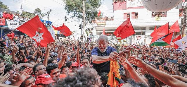 """Lula eleva tom sobre a farsa do judiciário e diz em carta """"Não cometi nenhum crime """""""