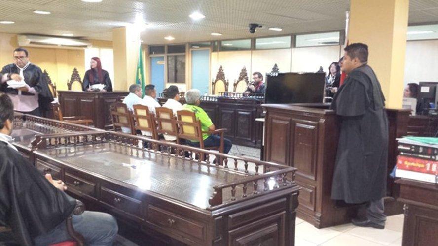 Mais quatro PMs são julgados por chacina de jovens suspeitos de latrocínio em Belém