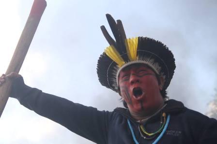 Dia Internacional dos Povos Indígenas é marcado por protesto em Brasília