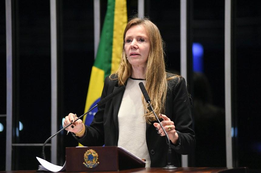 Vanessa diz que Bolsonaro cria 'cortina de fumaça' para esconder pauta de retrocesso