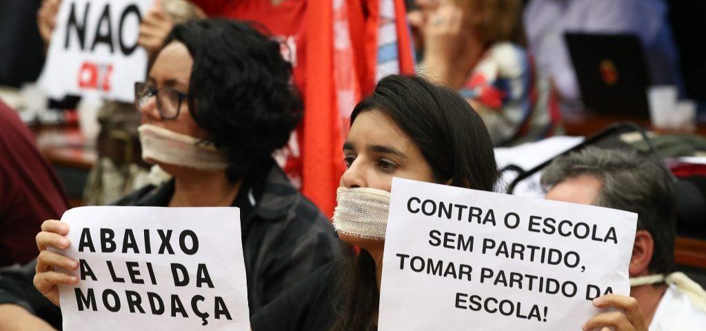 PSOL apresenta voto em separado para barrar aprovação do Escola Sem Partido