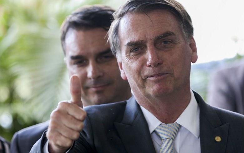 BURACO FUNDO: Coaf aponta novos repasses a assessor de Flavio Bolsonaro